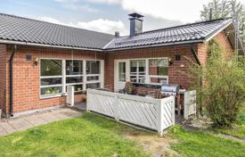 Property for sale in Northern Europe. Cozy villa with a terrace, a garden and a sauna, Espoo, Finland
