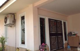 Luxury property for sale in Thailand. House in village with communal pool, 3 bedrooms