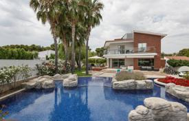 Luxury property for sale in Sitges. Modern three-storey villa with a pool, a veranda and a guest house, Sitges, Spain
