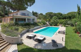 6 bedroom villas and houses to rent in Côte d'Azur (French Riviera). Close to Saint-Tropez- Cub 55 Beach