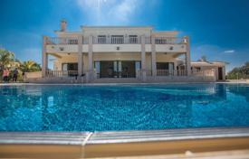 Villas and houses for rent with swimming pools in Cyprus. This is a 7 bedroom luxury house has a pool bar and a large overflow swimming pool. It is usually reserved for weddings.