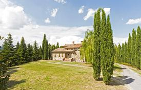 Houses for sale in Cetona. Farmhouse for sale in Tuscany