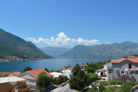 Residential for sale in Kindness. Apartment in Dobrota, Montenegro