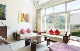 6 bedroom houses for sale in France. Paris 16th District – An exceptional over 300 m² property with a garden