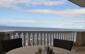 Penthouses for sale in Tenerife. Spacious furnished penthouse with two terraces and a panoramic view, in a residence with two swimming pools, near the beach, Tenerife, Spain