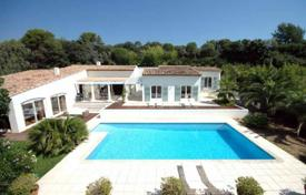 Houses for sale in Biot. Villa – Biot, Côte d'Azur (French Riviera), France