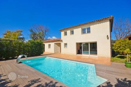 Cheap 4 bedroom houses for sale in Biot. Villa – Biot, Côte d'Azur (French Riviera), France