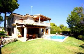 Villa with a private garden, a swimming pool, a private parking and a partial sea view, Peguera, Spain for 1,280,000 €