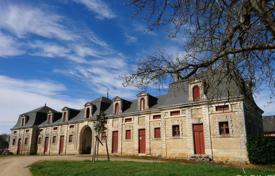 Property for sale in Charente. Castle – Charente, France