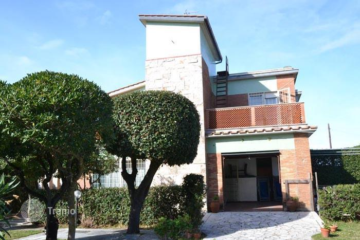 The cost of real estate in Italy by the sea