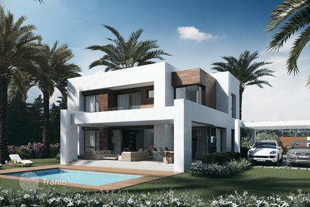 4 bedroom houses for sale in Estepona. Stylish Modern Villa from Azure Collection Project in El Paraiso, Estepona