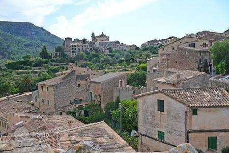Residential for sale in Valldemossa. Terraced house – Valldemossa, Balearic Islands, Spain