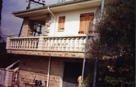 Houses for sale in Lleida. Villa – Lleida, Catalonia, Spain