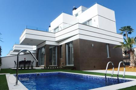 Cheap houses with pools for sale in Ciudad Quesada. Villa of 3 bedrooms in Rojales