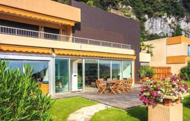Luxury apartments for sale in Èze. Modern apartment in Eze Village