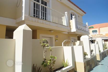 Foreclosed 2 bedroom houses for sale in Canary Islands. Villa – Antigua, Canary Islands, Spain