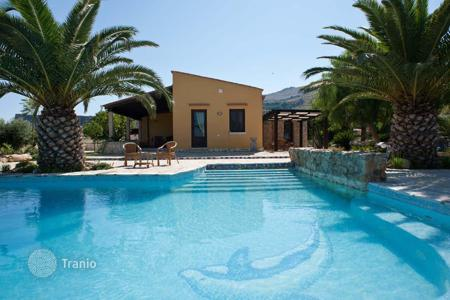 Coastal villas and houses for rent in Sicily. Villa - Castellammare del Golfo, Sicily, Italy