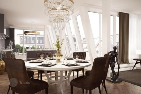 4 bedroom apartments for sale in Berlin. Magnificent penthouse with roof terrace in the heart of Charlottenburg, Berlin. The offer from the developer