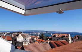 4 bedroom houses for sale in Split-Dalmatia County. Furnished villa with a patio, a balcony and a sea view, Split, Croatia