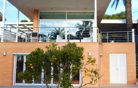 4 bedroom villas and houses to rent in Costa Dorada. Villa – Tarragona, Catalonia, Spain