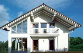6 bedroom houses for sale in Bavaria. Cozy house with a garden and a garage, Starnberg, Germany
