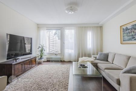Coastal residential for sale in Espoo. Two-storey townhouse with a courtyard, a terrace and a glazed balcony, Espoo, Finland