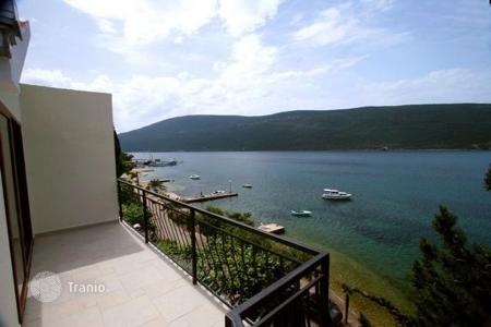 3 bedroom houses by the sea for sale in Herceg-Novi. Townhome – Herceg Novi (city), Herceg-Novi, Montenegro