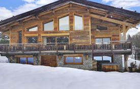 6 bedroom houses for sale in Auvergne-Rhône-Alpes. Relatively New Chalet