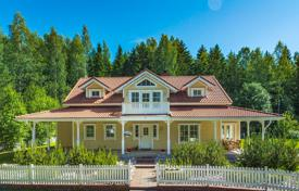 Houses for sale in Finland. Two-storey cottage with a garden, a swimming pool and a spacious terrace, surrounded by a picturesque park, Porvoo, Finland