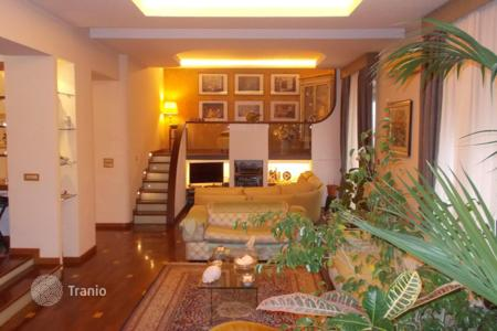 Residential for sale in Catania. Elegant apartment with furniture in 2 steps from the Piazzale Roma, Catania, Sicily