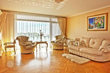 4 bedroom apartments for sale in Latvia. Comfortable apartment with a unique view of the P izhsky Bay
