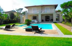 5 bedroom houses for sale in Lucca. Furnished villa with pool and garden in Forte dei Marmi, Tuscany, Italy