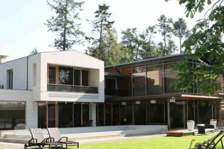 Luxury houses for sale in Jurmalas pilseta. A comfortable house in Jurmala