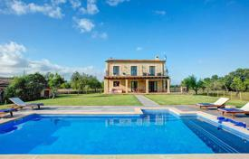 Property for sale in Búger. Traditional country house in Buger, Mallorca, Spain. Swimming pool with a jacuzzi, terraces, panoramic views of the surrounding countryside