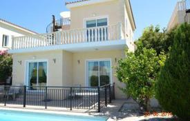 3 bedroom houses by the sea for sale in Peyia. 3 Bedroom Villa, Private Pool, Residential Area — Peyia