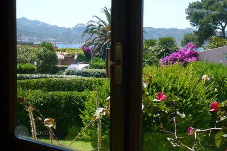 Residential for sale in Costa Smeralda. Terraced house – Baja Sardinia, Sardinia, Italy
