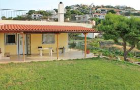 3 bedroom houses by the sea for sale in Attica. Detached house – Saronida, Attica, Greece