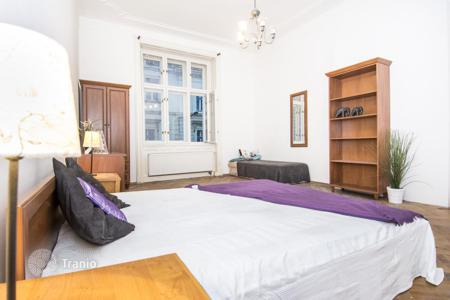Commercial property (redevelopment) for sale overseas. Apartment house in Prague with a 8% yield and the possibility of redevelopment
