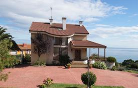 Property for sale in Asturias. Villa – Candás, Asturias, Spain