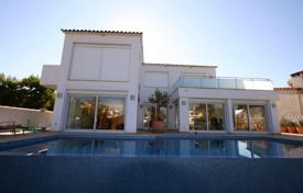 Luxury houses with pools for sale in Empuriabrava. Villa – Empuriabrava, Catalonia, Spain
