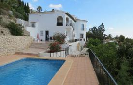 5 bedroom houses for sale in Moraira. Villa of 5 bedrooms with garden and private pool terrace with panoramic views over the Mediterranean Sea in Moraira