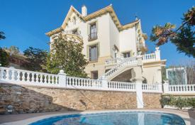 6 bedroom apartments for sale in Catalonia. Luxury modernist villa with impressive views over the city and sea for sale in Barcelona