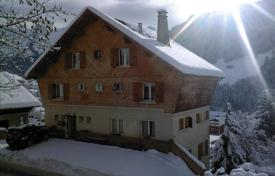 Cheap apartments for sale in Auvergne-Rhône-Alpes. Lovely 4 br/3bth ski apartment in Grand Bornand only 1 hour from GVA. 4 years of holiday rentals