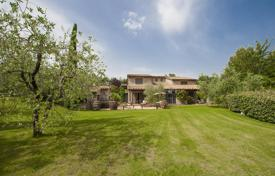 4 bedroom houses for sale in Umbria. Prestigious Farmhouse for Sale in Umbria