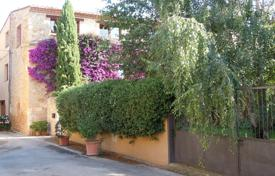 Three-storey villa surrounded by a beautiful garden, Navata, Spain for 465,000 €
