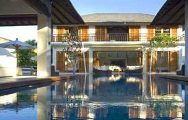 4 bedroom villas and houses to rent in Bali. Villa – North Kuta, Bali, Indonesia