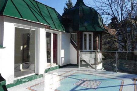 Residential for sale in Vienna. Exclusive Art Deco villa with beautiful roof garden view in sought-after Gersthof location — close to Pötzleinsdorfer SCHLOSSPARK