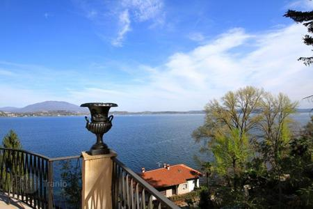 Coastal property for sale in Piedmont. Villa - Piedmont, Italy