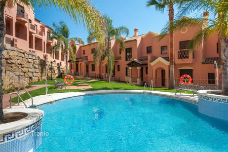 Cheap townhouses for sale in Costa del Sol. Town House for sale in Estepona