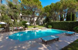 5 bedroom villas and houses to rent in Mougins. Mougins — Close To The Golf Country Club - Tennis Court — 5 Bedrooms